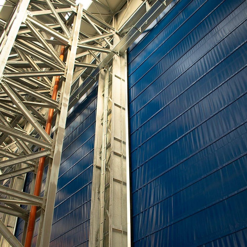 Interno portone industriale grandi dimensioni Sail Door