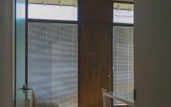 Ufficio con tende veneziane su misura