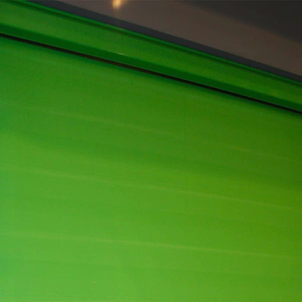 Particolare tenda a rullo per esterni Dark Zip verde