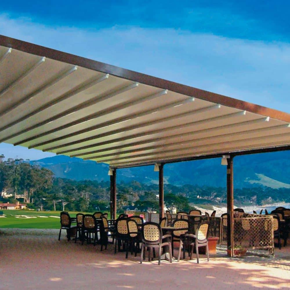 Tenda da sole a pergola pe locale a Portofino